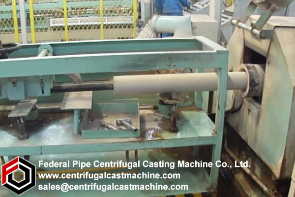 Centrifugal casting machine for manufacturing rotor