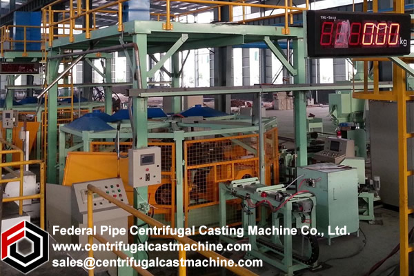 Turntable centrifugal casting machines