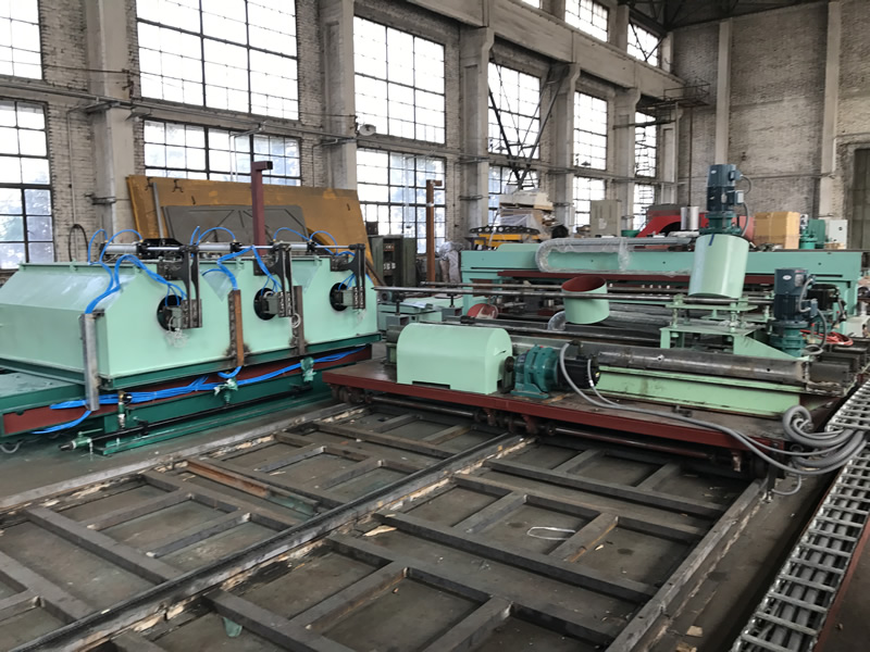 3-station centrifugal casting machine manufacturing is finished.