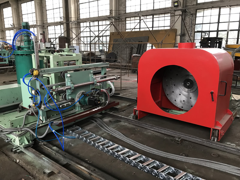 The manufacturing of spindle head cantilever centrifugal casting machine is finished.